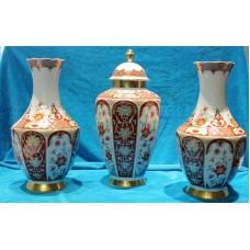 Bavaria Polychrome Porcelain (20ᵉ century) 3 piece garniture