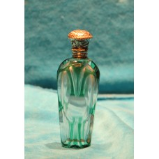 Crystal with silver (19ᵉ century) Colored perfume bottle with silver cap