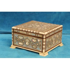 Ivory and mother of pearl (20ᵉ century) Jewelry box inlaid with ivory and mother of pearl