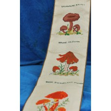 (20ᵉ century) Embroidered tapestry with decor mushrooms