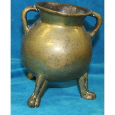 Bronze (19ᵉ century) Cooking pot on three feet with two ears
