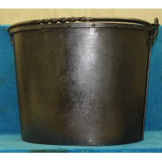 Iron (20ᵉ century) Oval pot for timber with handle
