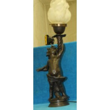 Art Nouveaux Bronze (20ᵉ century) Table lamp in the shape of an angel to Rubens