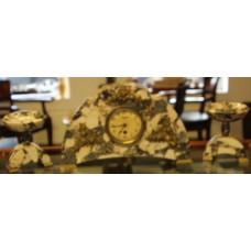 French Srt Nouveau Marble approximately (1900) 3-piece set clocks dial à douze pieces