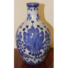 Earthenware (20ᵉ century) Flower vase with blue floral pattern