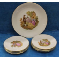 Bavaria Porcelain (20ᵉ century) 7-piece pastry dishes with floral pattern and motif romances