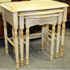 Painted wood (20ᵉ century) Furniture 3 piece side table