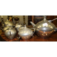 Leister Pewter (20ᵉ century) Pewter 8-piece tea and coffee service