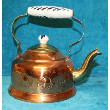 Bredemeijer (20e century) Copper Coffee kettle with hinge and porcelain handle and button