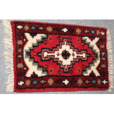 India Posthy (20e century) Carpet Hand knotted