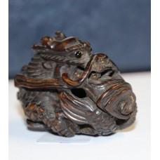 Chinese (19e century) Wood Netsuke cut out Dragon