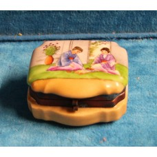 Japanese (19th century) Earthenware / copper rectangular jewelry box with painted motifs of women on lid